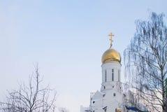 Gouden koepel van de Orthodoxe kerk Stock Foto's