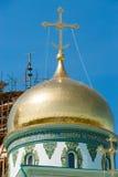 Gouden koepel van het Klooster van Verrijzenis Nieuwe Jeruzalem stock afbeelding