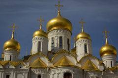 Gouden koepels van de kathedraal van het Kremlin Stock Afbeelding