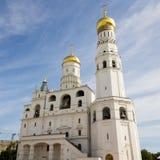 Gouden koepels van de kathedraal van het Kremlin Stock Foto