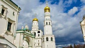 Gouden Koepels van het Kremlin in Rusland Stock Foto