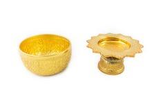 Gouden Kom en Dienblad met Voetstuk Stock Afbeelding