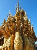 Gouden Koning van Nagas Royalty-vrije Stock Afbeeldingen