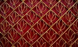 Gouden lotusbloempatroon gebogen staal Stock Foto