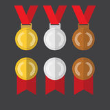 Gouden medailleszilveren medailles en van bronsmedailles vlakke ontwerpvector Stock Afbeelding
