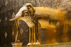 Gouden olifant Royalty-vrije Stock Fotografie