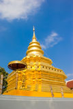 Gouden Pagode bij Wat Phra That Sri Chom-Leren riem Stock Foto's
