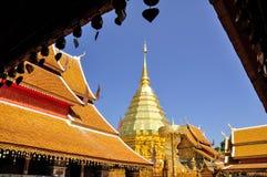 Gouden pagode in Chiang Mai stock foto
