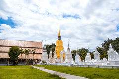 Gouden pagode in tempel van wat de suan dok, chiang MAI Stock Afbeeldingen