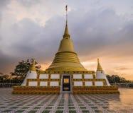 Gouden Pagode van Thailand Stock Afbeeldingen