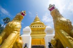 Gouden Pagode, Wat Phra That Sri Jom-Leren riem (de Koninklijke Tempel) Stock Foto