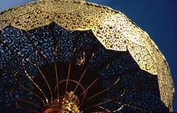 Gouden paraplu Royalty-vrije Stock Fotografie