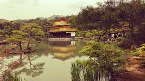 Gouden Paviljoen Kinkaku -kinkaku-ji Stock Afbeelding