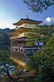 Gouden Paviljoen, Kyoto Zijview2 Stock Foto's