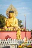 Gouden Reuzeboedha, het Hoofdstandbeeld van Boedha bij Sanbanggulsa-Tempel, Sa Stock Foto