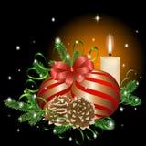 Gouden samenstelling van Kerstmisballen, pijnboomnaalden, kronkelweg, kegels en een brandende kaars stock illustratie
