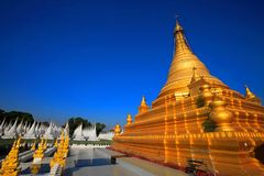 Gouden Sandamuni-Pagode, Mandalay, Myanmar royalty-vrije stock afbeelding