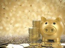 Gouden spaarvarken met stapel van gouden muntstuk Royalty-vrije Stock Foto
