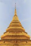 Gouden stupa Stock Foto