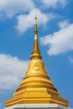 Gouden stupa Royalty-vrije Stock Afbeeldingen
