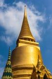 Gouden stupa Royalty-vrije Stock Afbeelding