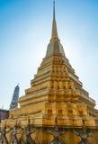 Gouden stupa in Thailand Stock Afbeelding