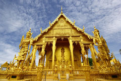 Gouden tempel van Wat Pak Nam Royalty-vrije Stock Afbeeldingen