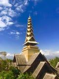 Gouden Toren in de Hemel stock foto