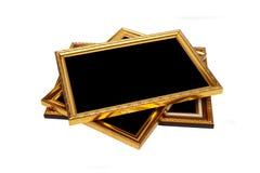 Gouden uitstekend houten die fotokader op wit wordt geïsoleerd Gespaard met cl stock fotografie