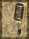 Gouden uitstekende microfoon Stock Foto's