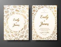 Gouden vectorhuwelijksuitnodiging met hand getrokken takjes, bloemen en brahches Gouden botanisch malplaatje voor huwelijk royalty-vrije illustratie