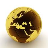 Gouden voetbalbal met wereldkaart Stock Afbeeldingen