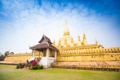 Gouden Wat Thap Luang in Vientiane, Laos Stock Foto's