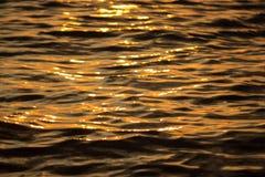 Gouden watergolven Royalty-vrije Stock Foto