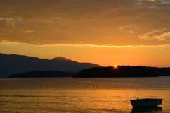 Gouden wolken op zonsopgang Royalty-vrije Stock Afbeelding