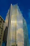 Gouden wolkenkrabber Toronto de stad in Stock Afbeeldingen
