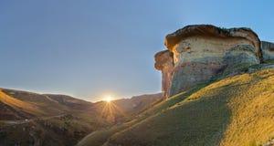 Gouden zonsondergang bij Golden Gate Royalty-vrije Stock Foto's