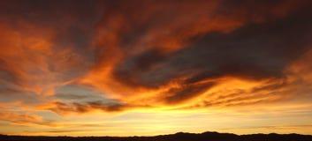 Gouden zonsondergang - Zoutmeren grandes/grote salines - salta & jujuy, Argentinië royalty-vrije stock fotografie