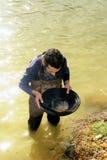 Goudzoeker in Frankrijk stock fotografie