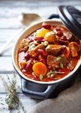 Goulash de carne com cogumelos e vegetais Fotografia de Stock Royalty Free