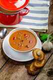 Goulash soup with crispy garlic toast Royalty Free Stock Images