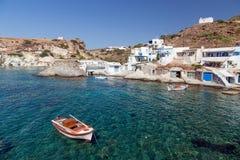 Goupa渔解决,基莫洛斯岛海岛,基克拉泽斯,希腊 库存照片