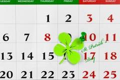Goupille de calendrier de jour de patricks de St en mars Copiez l'espace Images stock
