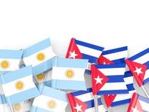 Goupilles avec des drapeaux de l'Argentine et du Cuba d'isolement sur le blanc illustration stock
