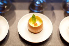Gourmet- äggcanape Royaltyfria Foton