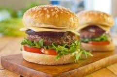Gourmet- hamburgare Fotografering för Bildbyråer