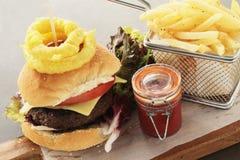 Gourmet- hamburgaremål Arkivfoto