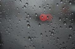 Goutte de pluie au verre Image libre de droits