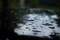Goutte de pluie dans la saison des pluies photos stock