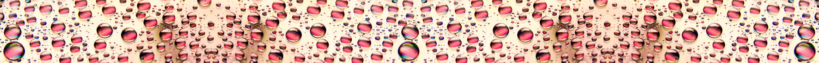 Gouttes de l'eau rouges Photo stock